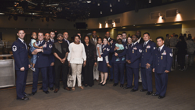 Airmen, Soldiers receive recognition for heroic acts during building fire